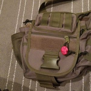 Other - Green messenger bag